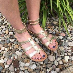 NEVER WORN UGG Gold Leather Ankle Strap Sandals 10